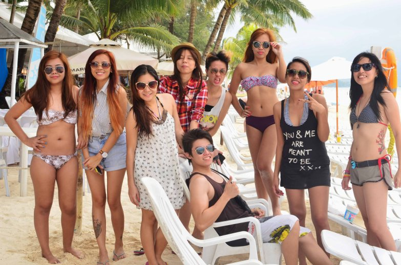 Dameng chicks ni DJ!